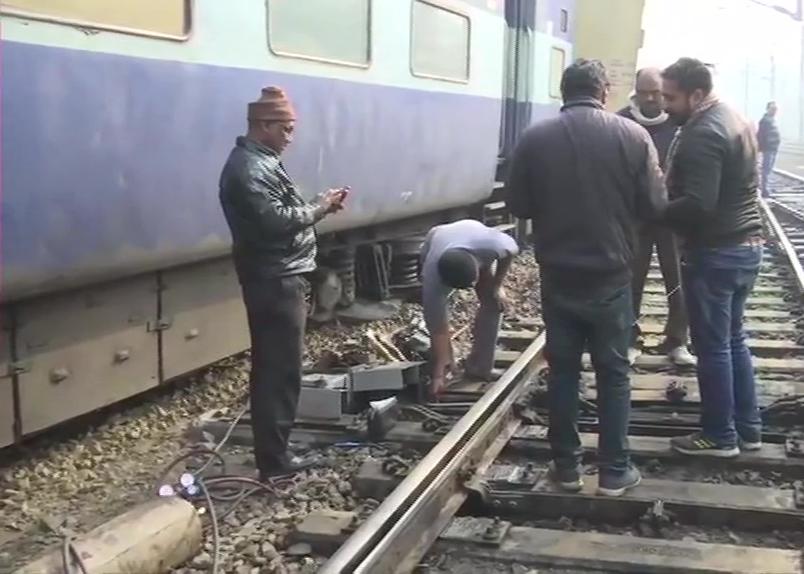 लखनऊ में टला बड़ा रेल हादसा, शहीद एक्सप्रेस के डिब्बे पटरी से उतरे