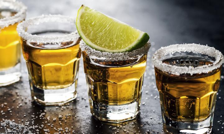 जाम छलकाना हो सकता है महंगा, शराब पर लगा 100 %  लगा एग्री इन्फ्रा सेस