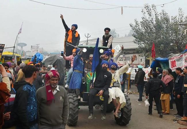 ट्रैक्टर रैली को लेकर किसानों और दिल्ली पुलिस के बीच बैठक बेनतीजा रही