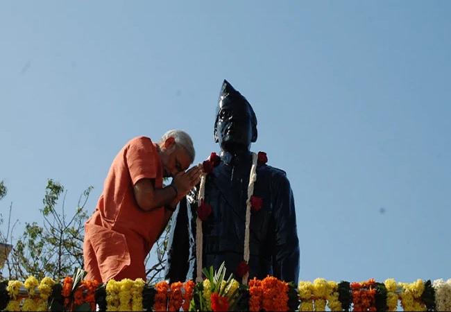 सुभाष चंद्र बोस की 125वीं जयंती आज, राष्ट्रपति और पीएम मोदी ने किया नमन