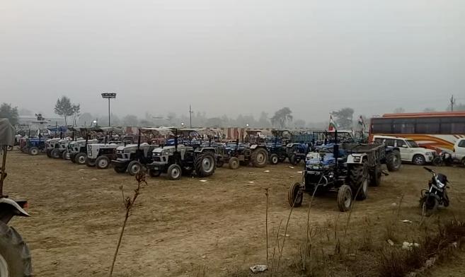 लखनऊ-ट्रैक्टर रैली लेकर राजभवन जाने की तैयारी में किसान, आज राज्यपाल को देंगे ज्ञापन