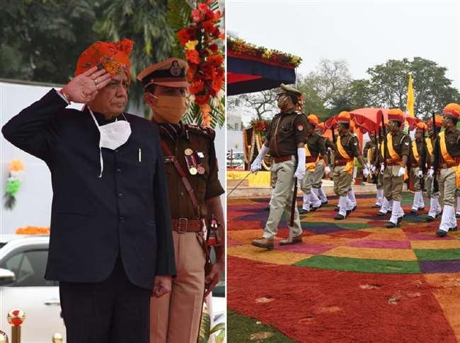 गणतंत्र दिवस-औद्योगिक विकास मंत्री ने ली पुलिस परेड की सलामी, कानपुर पुलिस लाइन में हुआ कार्यक्रम
