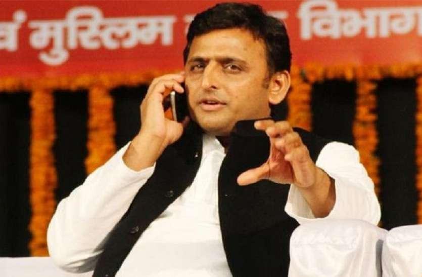 अखिलेश यादव ने किसान नेता राकेश टिकैत से फोन पर की बात, लगाए बीजेपी पर गंभीर आरोप