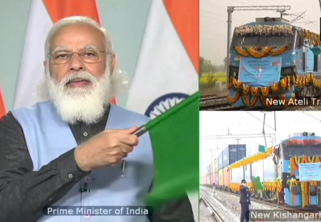 डबल डेकर मालगाड़ी को हरी झंडी, PM मोदी बोले- विकास को मिली नई रफ्तार