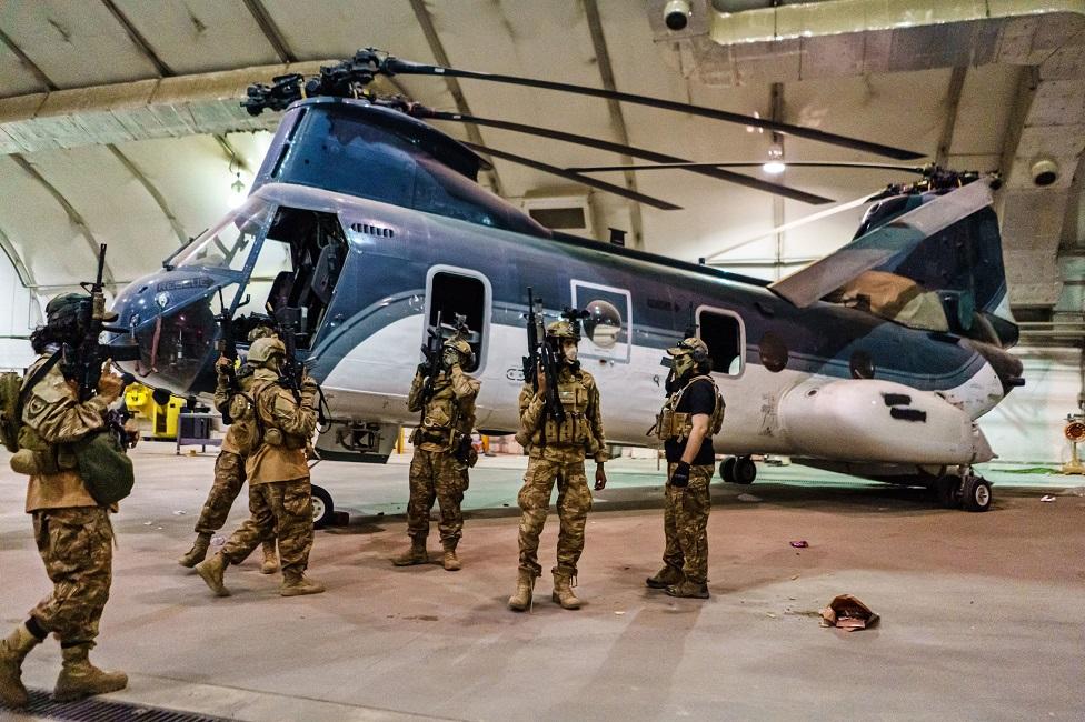 तालिबान चाह कर भी नहीं इस्तेमाल कर सकेगा अमरीकी हथियार