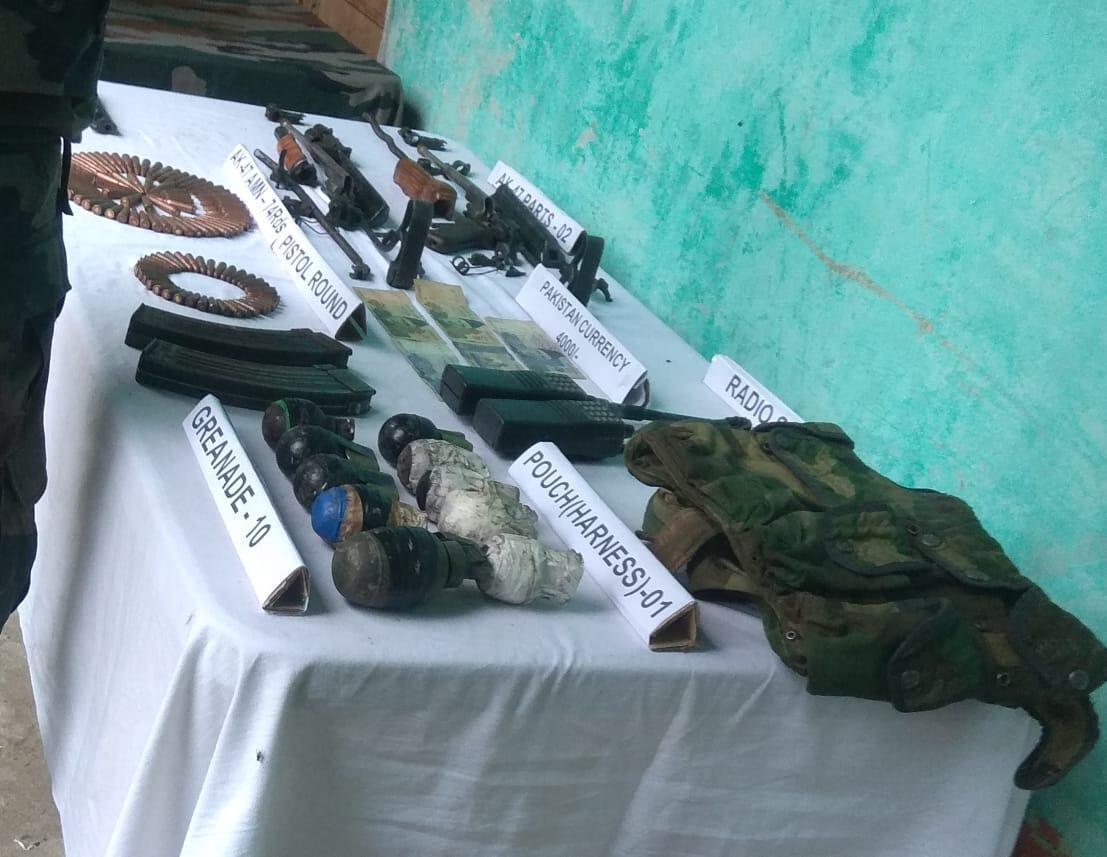बारामूला में हथियार और गोला-बारूद बरामद