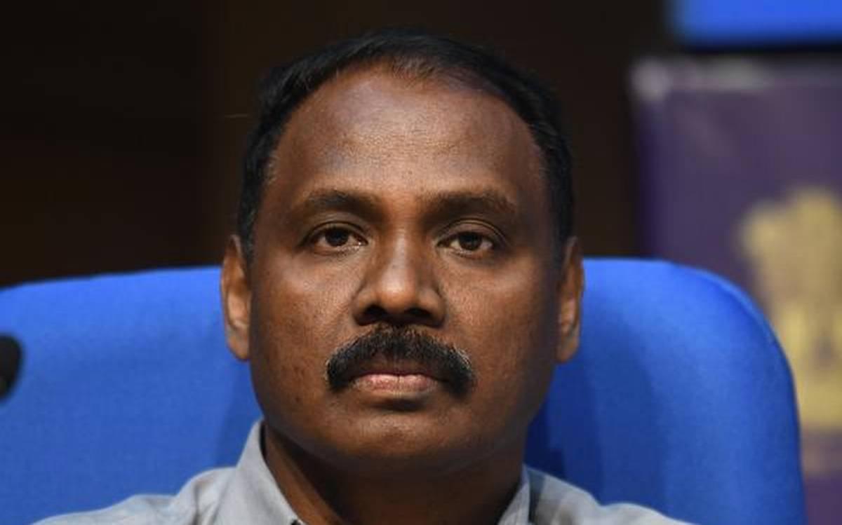 गिरीश चंद्र मुर्मू ने भारत के नियंत्रक एवं महालेखापरीक्षक कैग के पद की शपथ ग्रहण