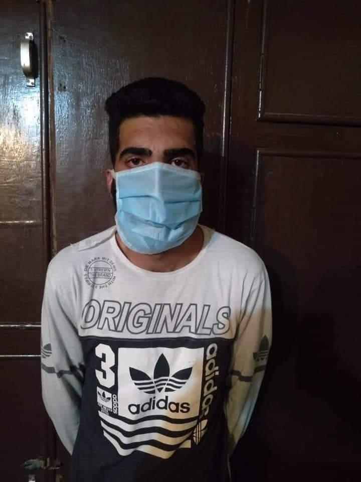 श्रीनगर पुलिस ने ड्रग तस्कर को गिरफ्तार किया, कोडिन फॉस्फेट की एक बड़ी खेप बरामद
