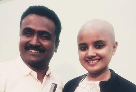 कैंसर मरीज़ों के चहरे पर मुस्कान के लिए त्याग दिया सुंदरता का सबसे अहम हिस्सा ' बाल '