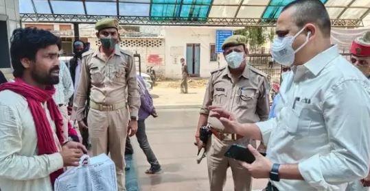 औचक निरिक्षण में मण्डलायुक्त ने पकड़ा कानपुर के हैलट हॉस्पिटल का कारनामा-कार्यवाही के निर्देश