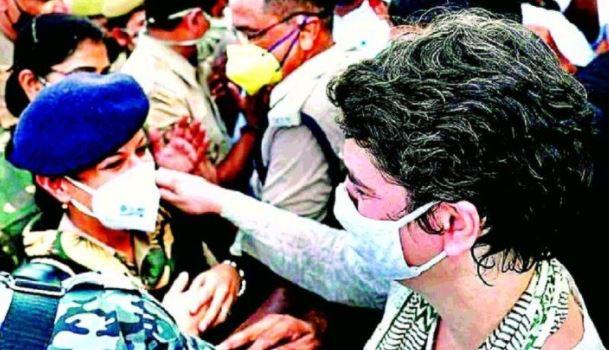 प्रियंका गांधी पर एफआईआर दर्ज..