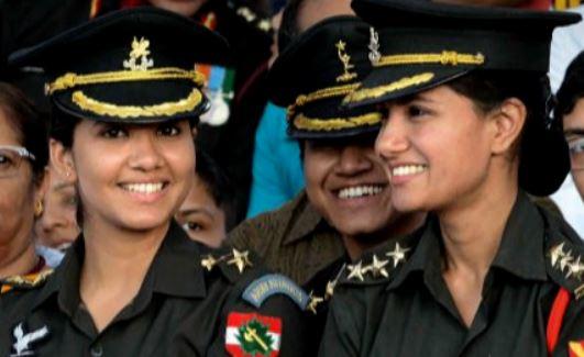 नवंबर में होने वाली एनडीए की परिक्षाओं में लड़कियों को शामिल किया जाये- केन्द्र को सुप्रीमकोर्ट का आदेश