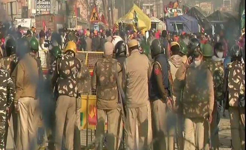 किसानों का 'दिल्ली चलो' प्रदर्शन, टिकरी बॉर्डर पर किसानों और सुरक्षाबलों के बीच झड़प