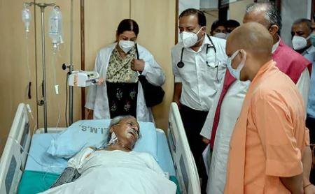 कल्याण सिंह की हालत नाजुक,सीएम योगी मिलने पहुंचे हॉस्पिटल