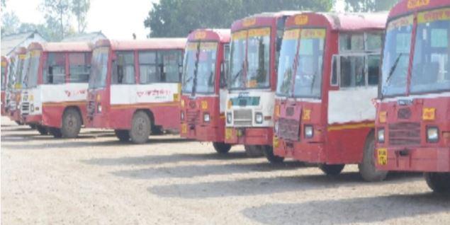यात्रियों की कमी से बन्द हुयी सैकड़ों रोडवेज बसों की सेवा