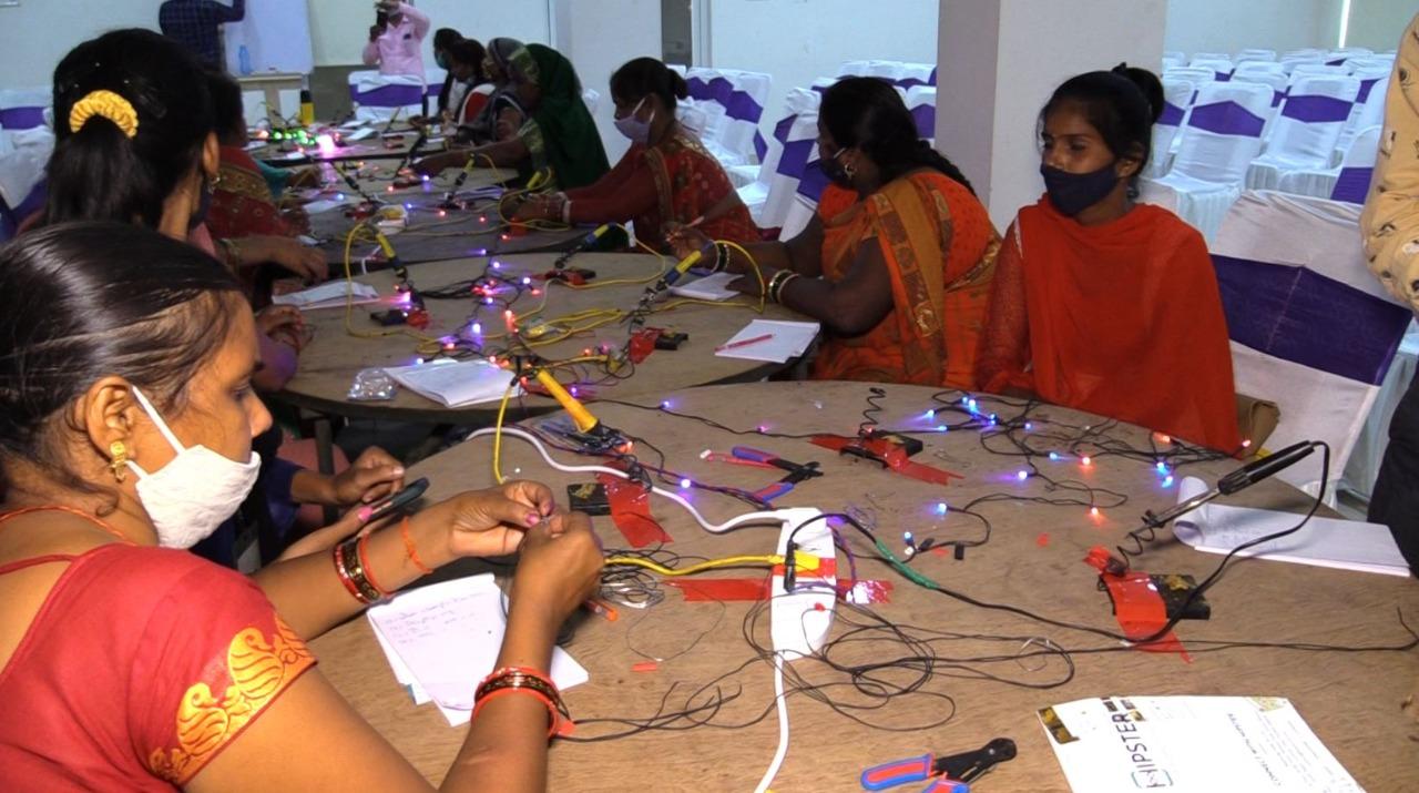 महिलाओं को आत्मनिर्भर बनाने के लिए IIA ने शुरू की ये शानदार पहल