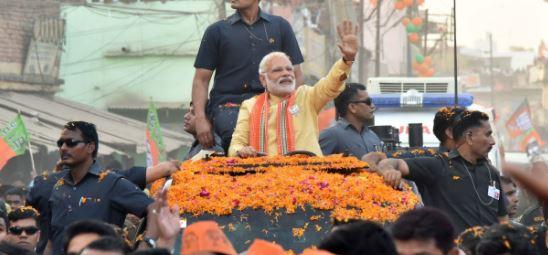 PM पहली बार संसदीय क्षेत्र में बोट से दौरा करेंगे; वाराणसी के 84 घाटों पर रोशन होंगे 15 लाख दीये