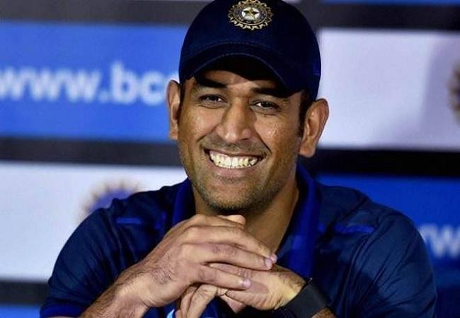 ICC: धोनी को संन्यास के बाद भी एक बड़ा सम्मान, आईसीसी ने बनाया दशक की टी20 और वनडे टीम का कप्तान