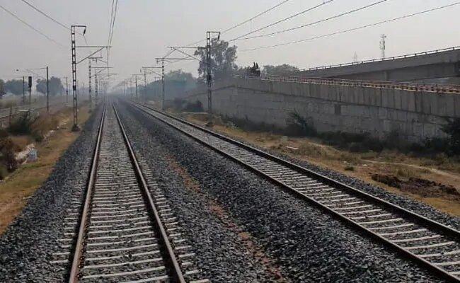 दो घंटे में तय होगा कानपुर से झांसी का सफर, झांसी रेल लाइन के दोहरीकरण होगा जल्द पूरा