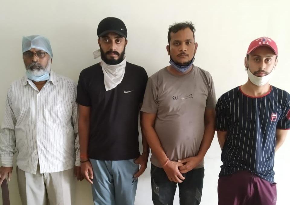 मेडिकल उपकरणों के कालाबाजारी करते सात लोग पकड़े गए