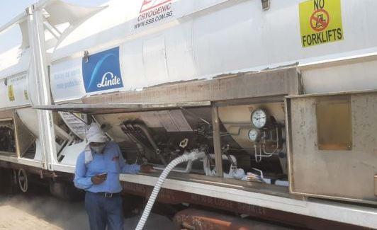 दुर्गापुर से 40 मीट्रिक टन ऑक्सीजन लेकर कानपुर पहुंची दूसरी एक्सप्रेस