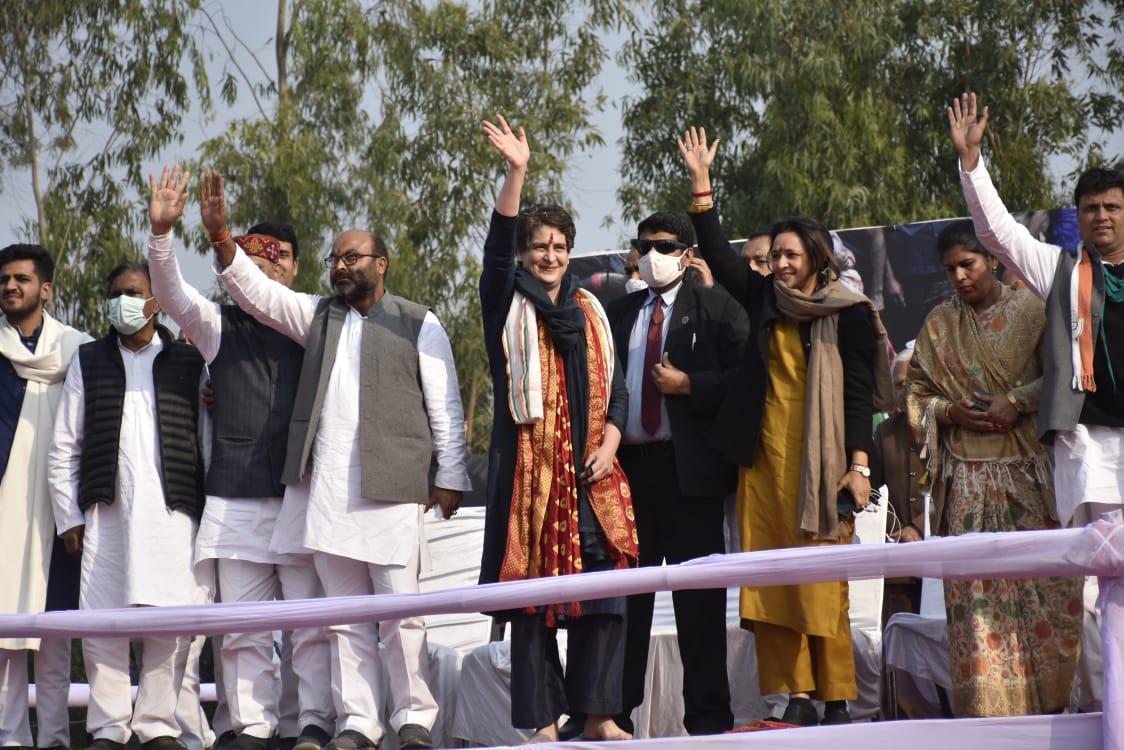 किसान महापंचायत में प्रियंका गांधी बोलीं- कारोबारियों के लिए धड़कता है PM मोदी का दिल
