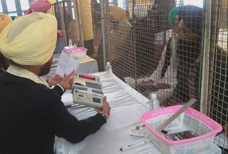 पंजाब में कांग्रेस ने किया बीजेपी का सूपड़ा साफ, सातों नगर निगम जीतीं
