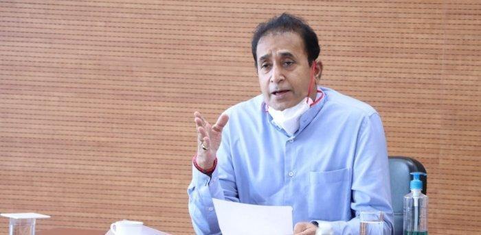 महाराष्ट्र के गृह मंत्री अनिल देशमुख ने अपने पद से दिया इस्तीफा