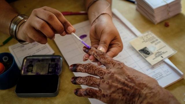 पश्चिम बंगाल समेत 5 राज्यों में विधानसभा चुनावों के लिए वोटिंग जारी