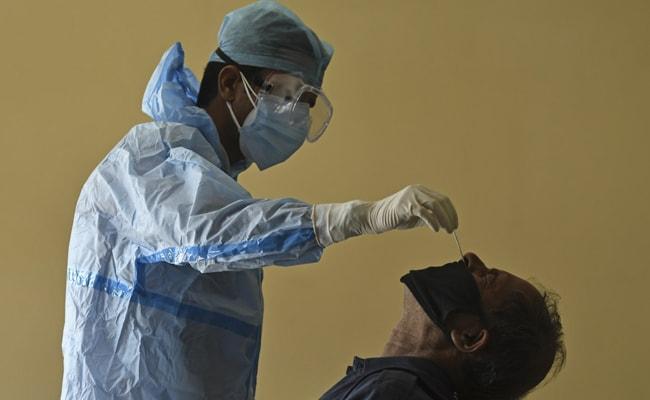 यूपी में आउट ऑफ कंट्रोल हुआ कोरोना, लखनऊ से सामने आए 4059 मरीज, 24 में पूरे यूपी में 12,787 केस