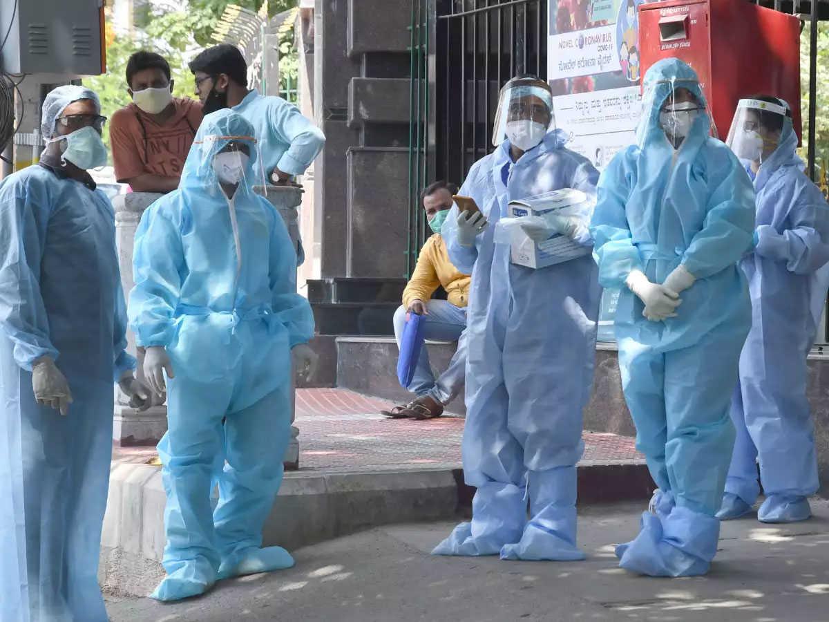 उत्तर प्रदेश में खतरनाक स्तर पर आया कोरोना वायरस, 24 घंटे में मिले 18021 नए संक्रमित