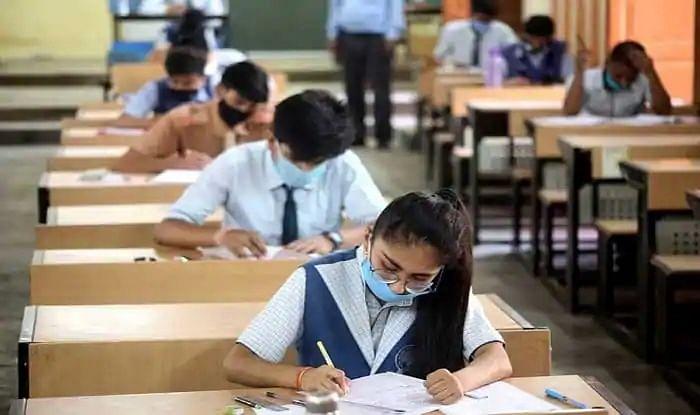 कोरोना का बढ़ता कहर: CBSE बोर्ड ने रद्द की 10वीं की परीक्षा, 12वीं की परीक्षाएं स्थगित