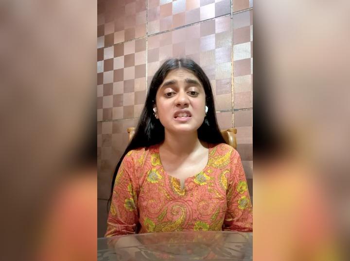 कुलदीप सेंगर की पत्नी का कटा टिकट, बेटी ने डाला भावुक वीडियो