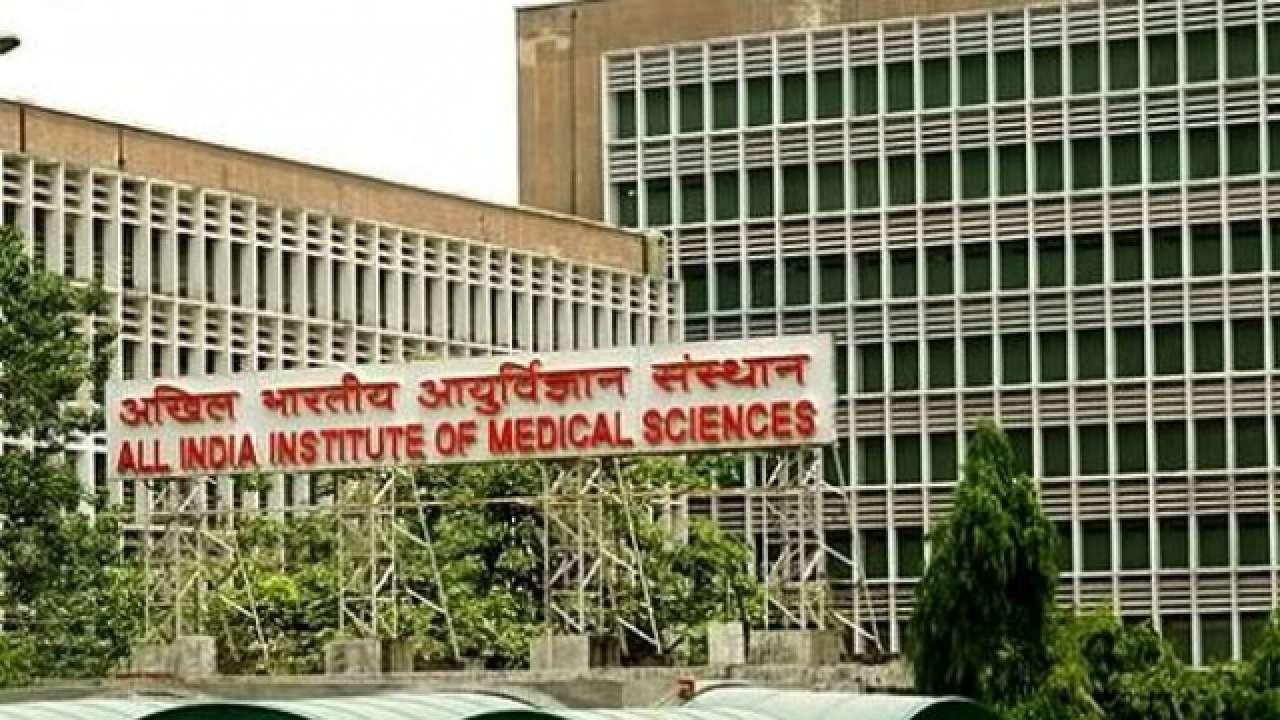 दिल्ली AIIMS के 35 डॉक्टर मिले कोरोना पॉजिटिव, सभी लगवा चुके हैं वैक्सीन