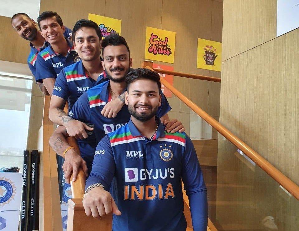 Ind vs Eng: T20 की जर्सी में दिखे टीम इंडिया के स्टार क्रिकेटर्स, BCCI ने शेयर की लेटेस्ट फोटो