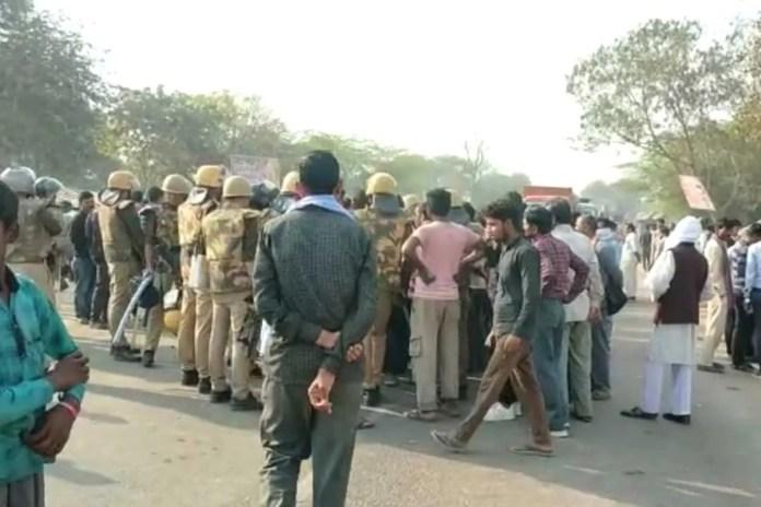 कानपुर: गैंगरेप के एक दिन बाद ट्रक ने पीड़िता के पिता को रौंदा, परिजनों ने लगाया हत्या का आरोप
