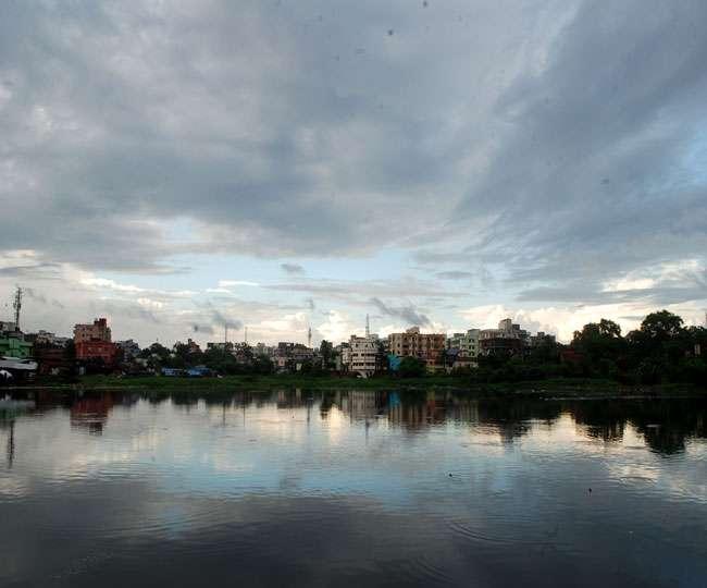 यूपी में मौसम का बदला मिजाज, लखनऊ, कानपुर समेत 6 जिलों बारिश और आंधी की आशंका