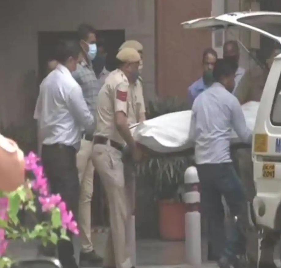 दिल्ली: बीजेपी सांसद का सरकारी आवास में लटका मिला शव, जांच में जुटी पुलिस