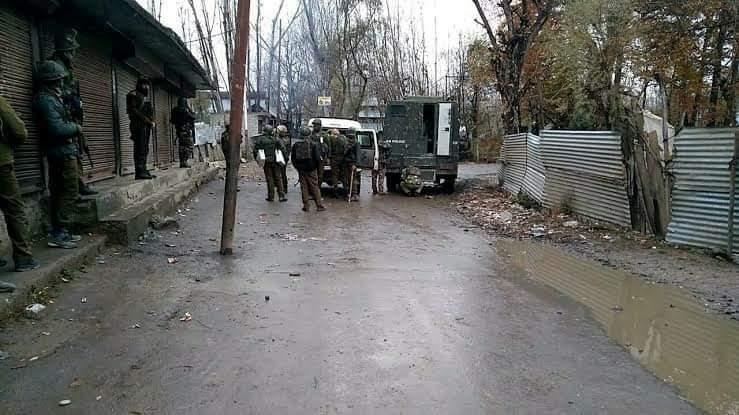 शोपियां एनकाउंटर: सुरक्षाबलों ने लश्कर के 4 आतंकी मार गिराया, सेना का एक जवान भी घायल