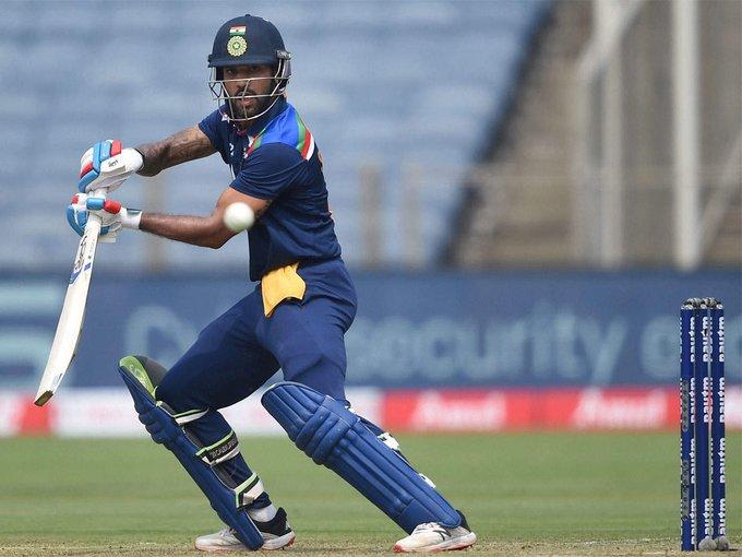 पुणे वनडेः डेब्यू मैच में क्रुणाल पंड्या की अच्छी बैटिंग, भारत 250 के पार