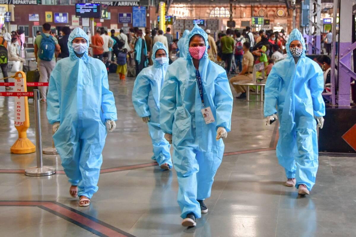 एक बार फिर देश में बढ़ी कोरोना की रफ्तार, 24 घंटे में आए 50 हजार से ज्यादा मरीज