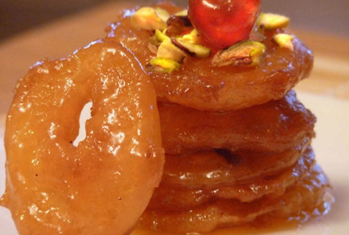 हेल्दी और टेस्टी डिश है एप्पल जलेबी, यहां जानिए रेसिपी के बारे में