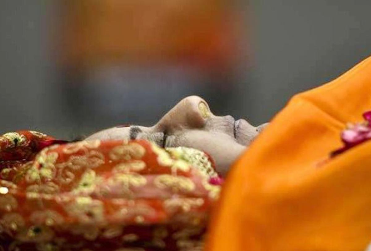 पंचतत्व में विलीन सुषमा स्वराज, राजकीय सम्मान के साथ अंतिम विदाई