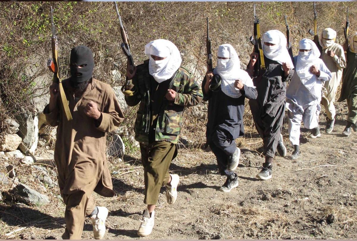 पीओके में आतंकी समूह सक्रिय, इमरान बोले-''हमला हुआ तो हम जिम्मेदार नहीं'', ढोबाल ने बुलाई हाई लेवल मीटिंग