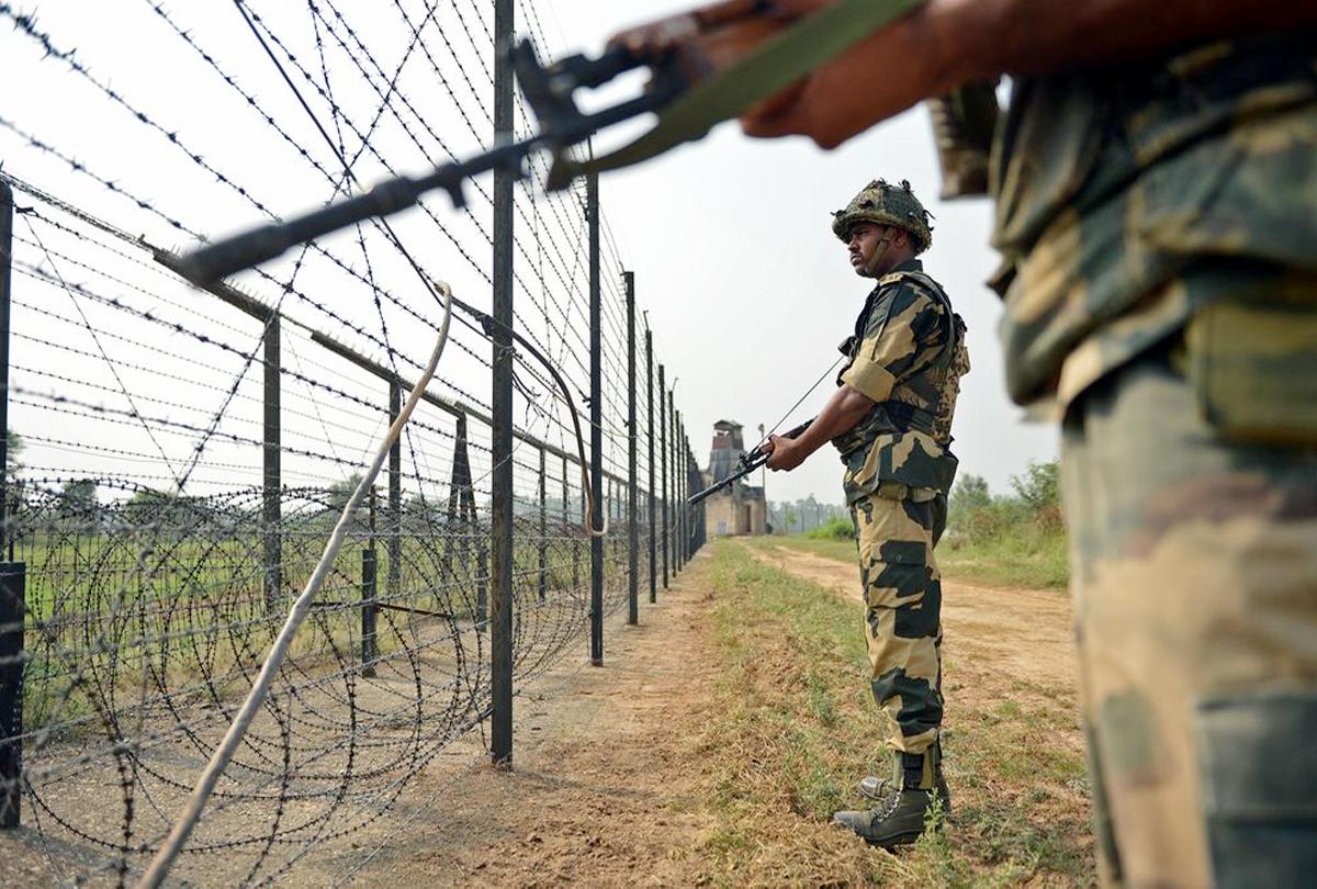 भारत के खिलाफ पाकिस्तान का विरोध गहराया, अटारी पर झंडा झुकाने के साथ कर रहा ये 5 गलत हरकत
