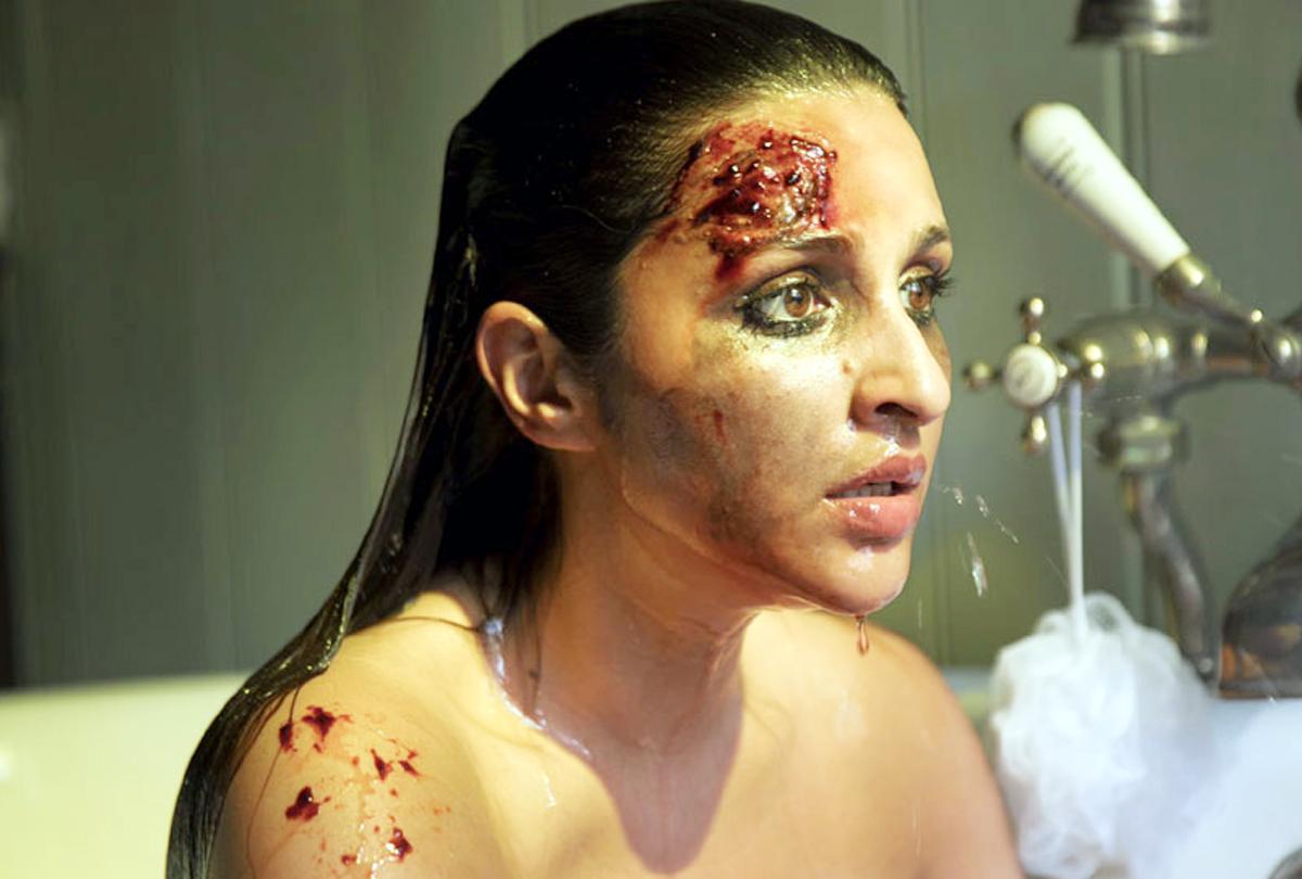 'द गर्ल ऑन द ट्रेन': खून से लथपथ आई नजर परिणीति चोपड़ा