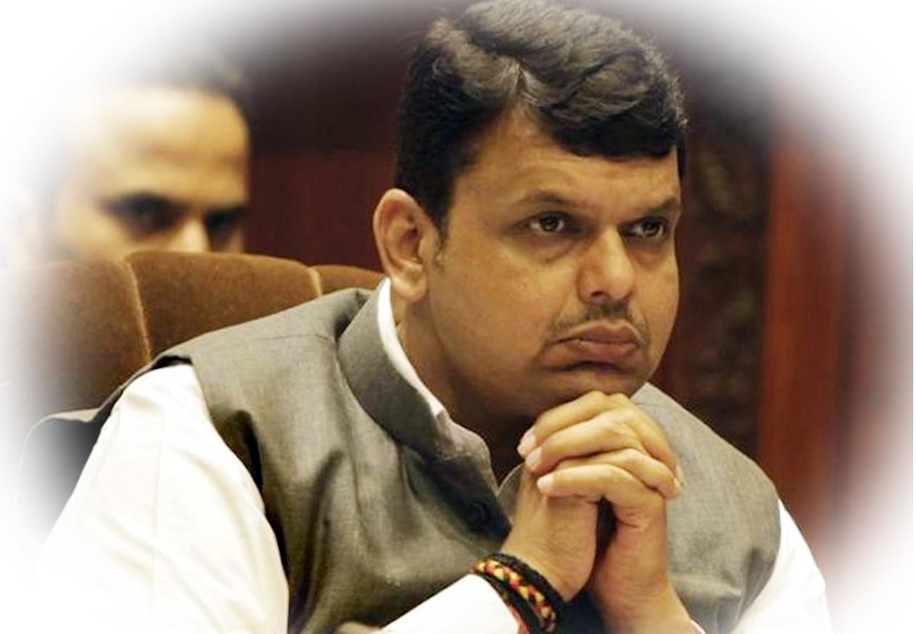 महाराष्ट्र CM पद से फणनवीस का इस्तीफा, अजित पवार ने शुरू किया मुलाकातों का दौर