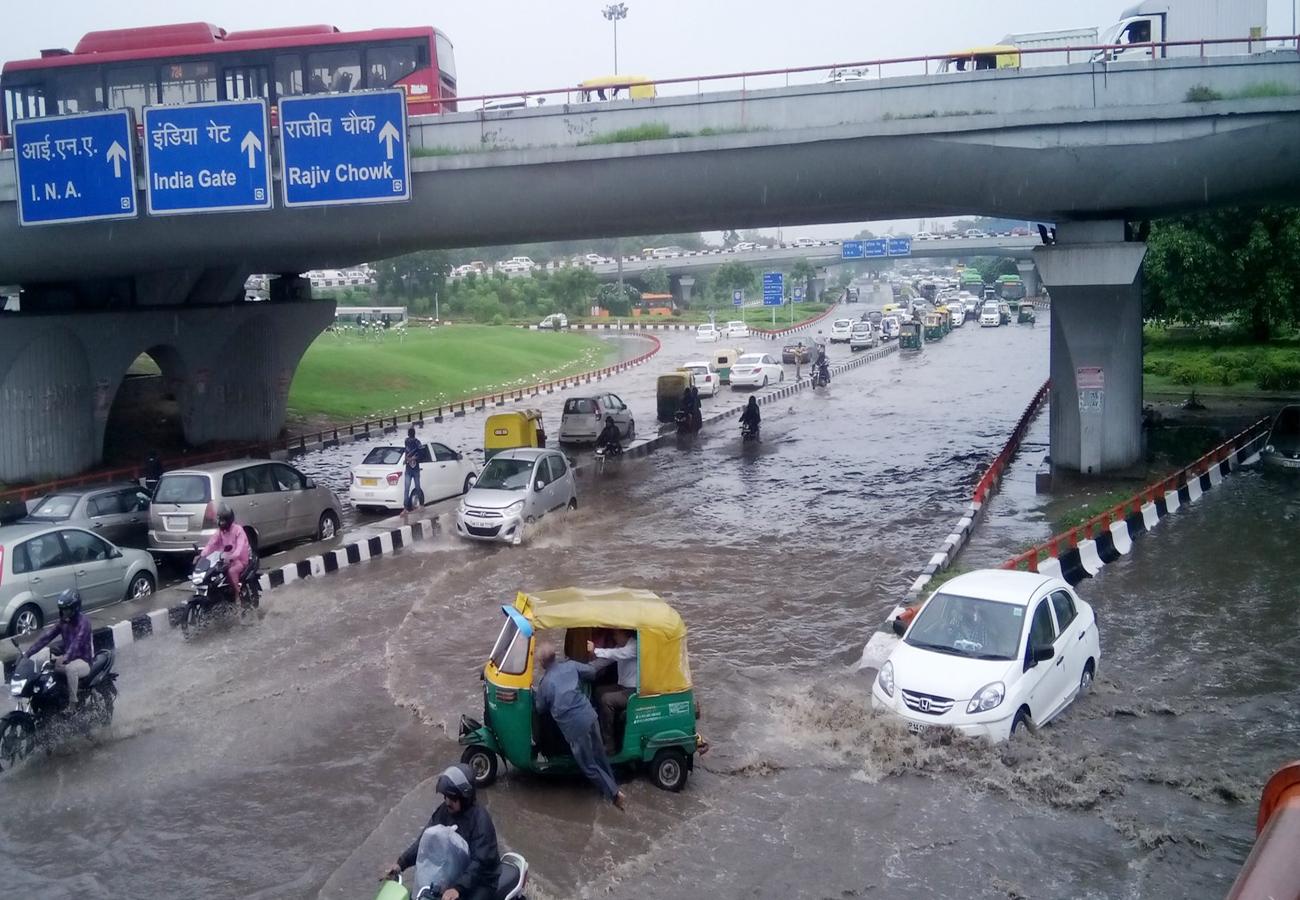 दिल्ली: बारिश और ओलों ने प्रदूषण से दिलाई राहत, यूपी-बिहार के लिए मौसम जानकारों ने कही ये बातें