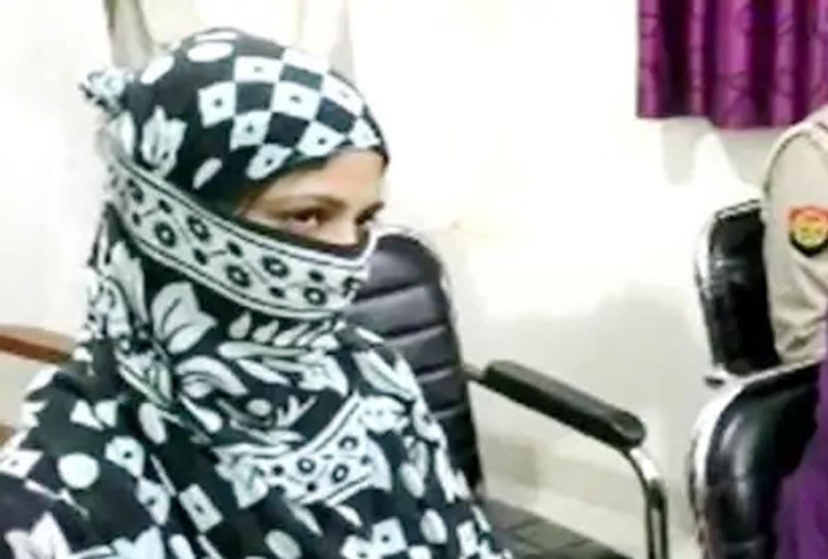 सोशल मीडिया फ्रॉड: नकली आईपीएस के प्यार में पड़ी लड़की अब असली वाले से शादी की जिद में अड़ी