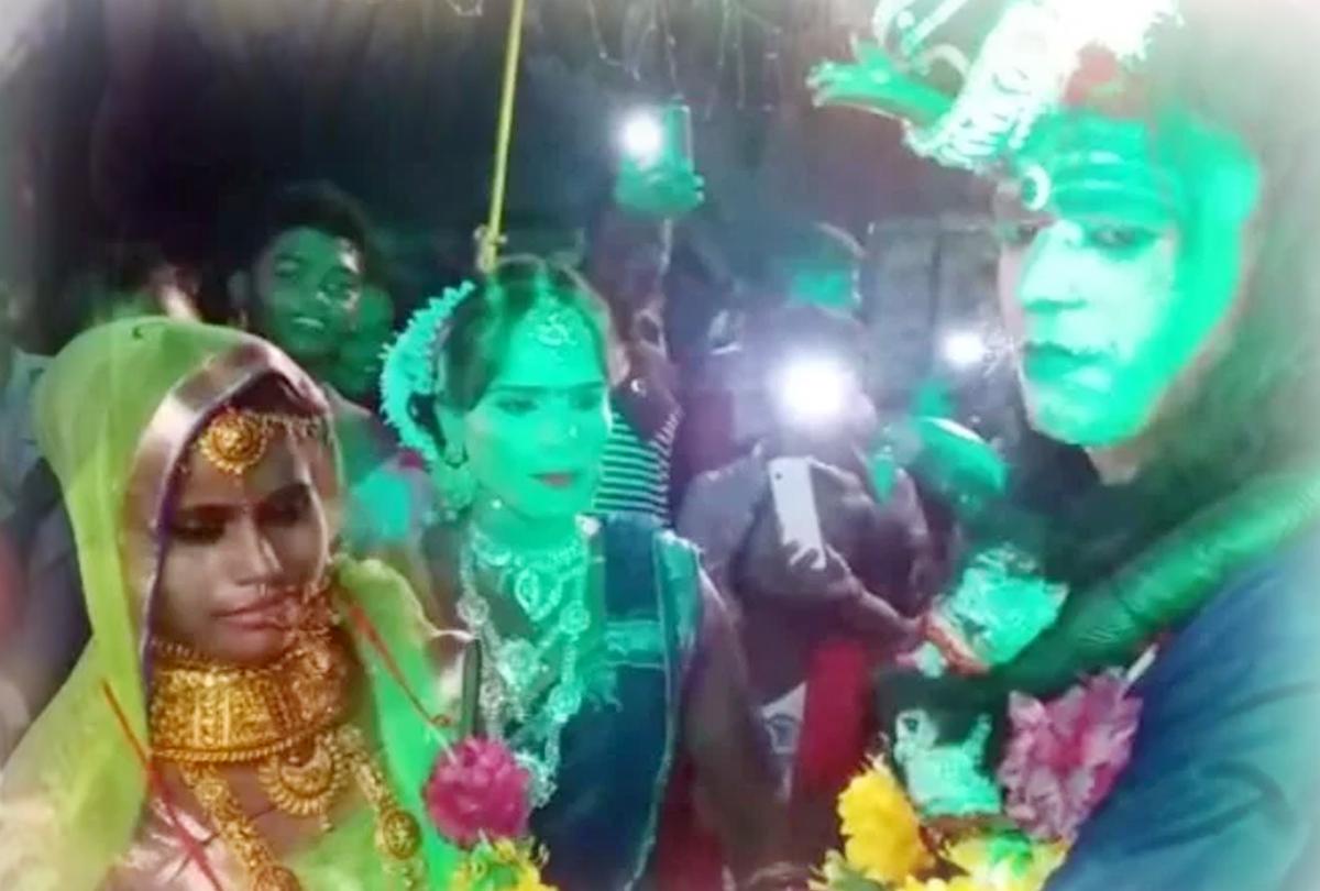 शिव-पार्वती का किरदार निभाते-निभाते हुआ एक दूजे से प्यार, गणेश पंडाल में सात फेरे